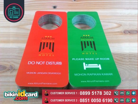 Harga cetak id card hotel murah online - Contoh gantungan pintu hotel