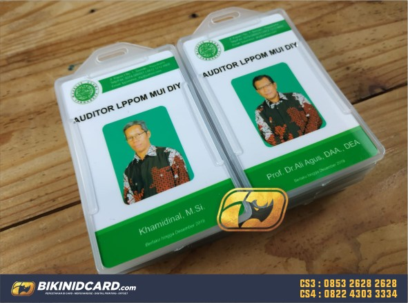 contoh desain id card guru