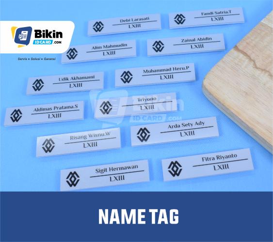 karakteristik name tag plastik